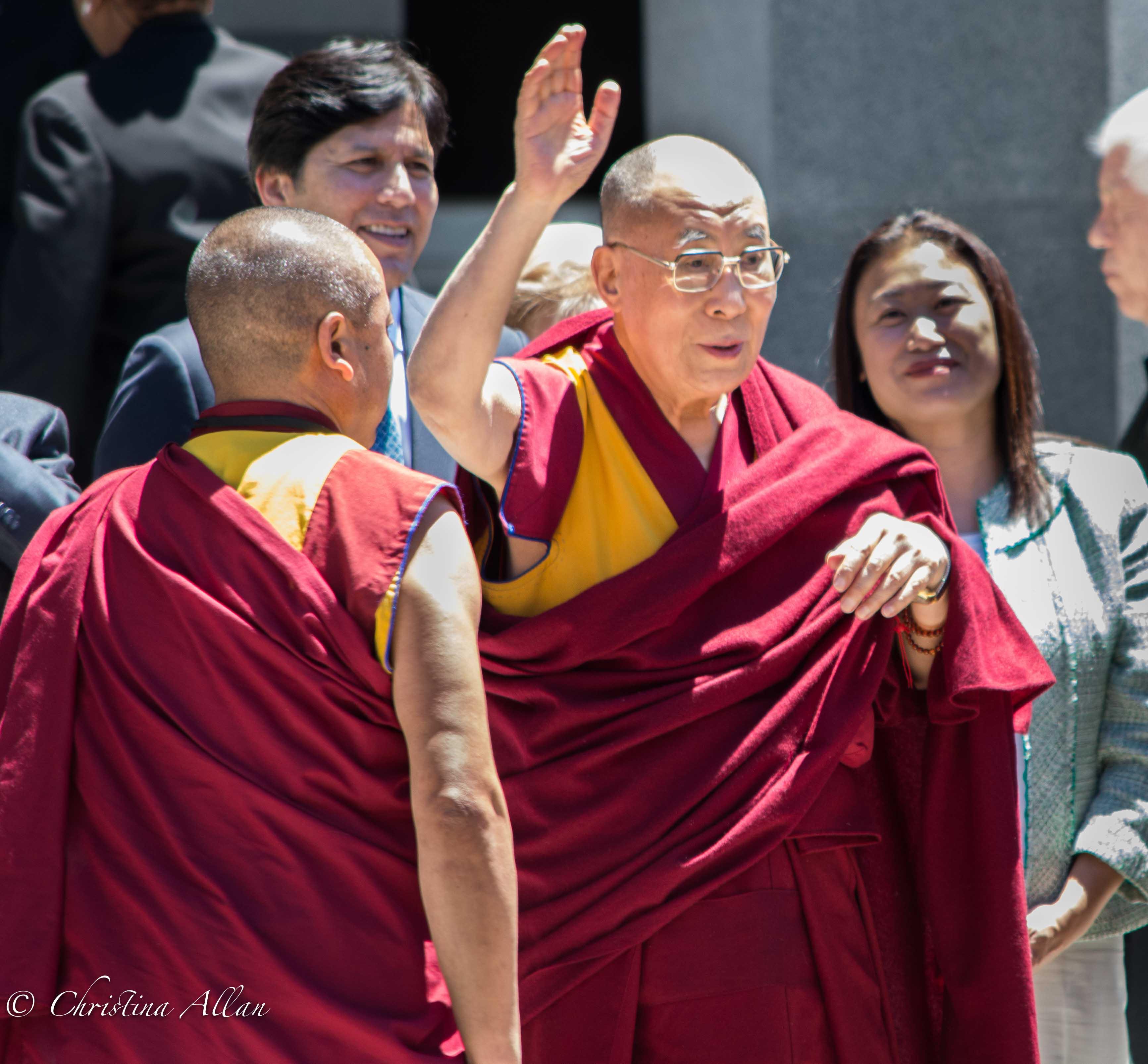 The Dalai Lama Waving at crowd