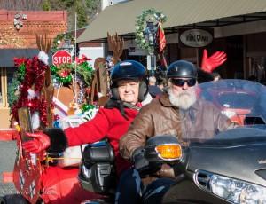 Bikders-with-sleigh-motorcycle-toy-runn-grass-valley-DSC8922