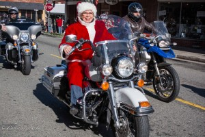 Lady-santa-claus-toy-run-grass-valley-DSC8896
