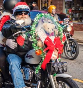 Santa-biker-motorcycle-toy-run-grass-valley-DSC8866-2