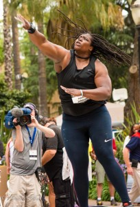 johnson-felisha-sotput-throwing-usa-track-and-field