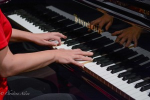 GALA Denver Sacramento Women's Chorus Buell Tech Cami Davis piano hands
