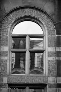 B&W Arch reflection building london b&w allan