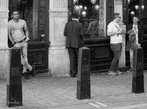 B&W men at pub london allan