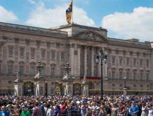 Crowd buckingham palace Trooping the Colour birthday parade London Allan DSC_2734