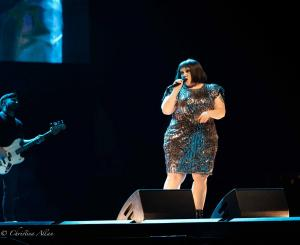 Beth Ditto Guitarist Blue sacramento golden1 allan DSC 2526