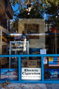 Electric cigareetes-blue-art studio downtown-sacramento-urban reflections allan DSC5252