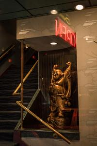 Happy gold buddha open restaurant urban reflections victoria allan DSC 1155