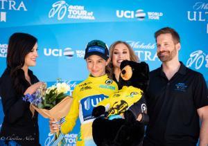 Katie Hall flowers bear yellow jersey winner United Healthcare winner amgen tour california 5192018  sacramento allan DSC 9696
