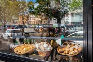 Protest Bakery Girls Fort-de-France Martinique Caribbean Allan 2019-2774
